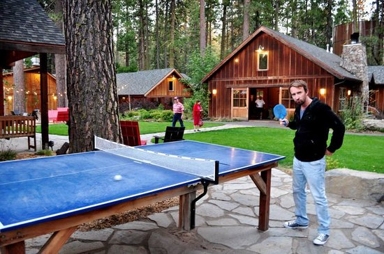 Evergreen Lodge at Yosemite: Table tennis