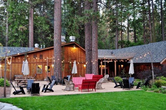 Evergreen Lodge at Yosemite: The common area