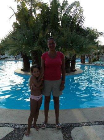 Sonesta Beach Resort & Casino : бассейн