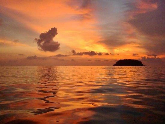 Beyond Resort Kata: 夕日が沈んでから空が赤くなるので最後まで眺めましょう