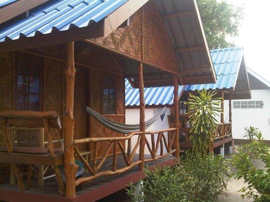 Coco Garden Resort: Fan Twin Bed Bungalow