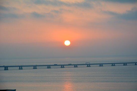 Vasco da Gama Bridge : 朝のバスコダガマ橋