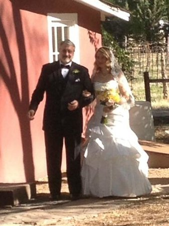 Granite Creek Vineyards: Dad and his daughter the bride