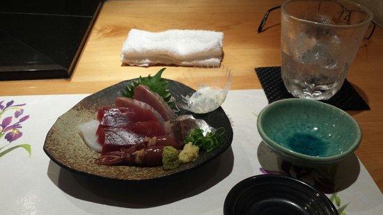 Yamasho: 美味しいお酒と新鮮な魚。 そして、気が聞く板前さんをはじめとした接客。 最高でした。