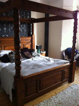 The Longcross Hotel & Gardens : Room 4 - spacious & comfortable!