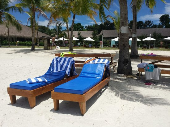 Bohol Beach Club: It's apparently a 3-star hotel (according to TripAdvisor), but I thought I lived in a 5-star hot