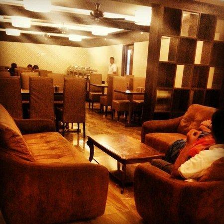 Resort De Crossroads : Lobby and restaurant area