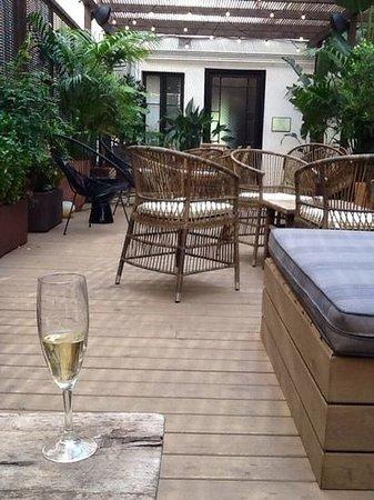 H10 Catalunya Plaza: Terrace