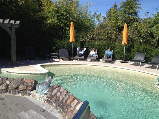 Le Relais Bernard Loiseau : La belle piscine
