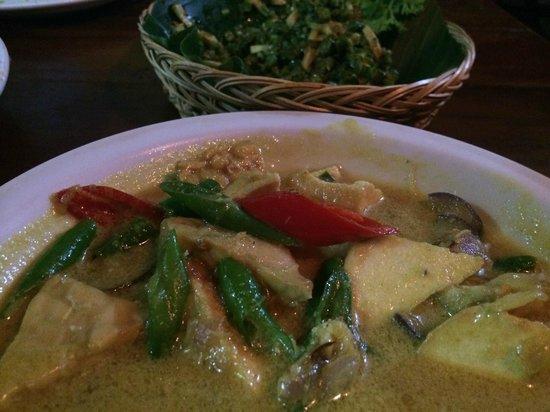 Warung Eny: Kari Tofu & Tempeh