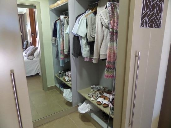 Jardines de Nivaria - Adrian Hoteles: Superior room walk-in wardrobe!!!