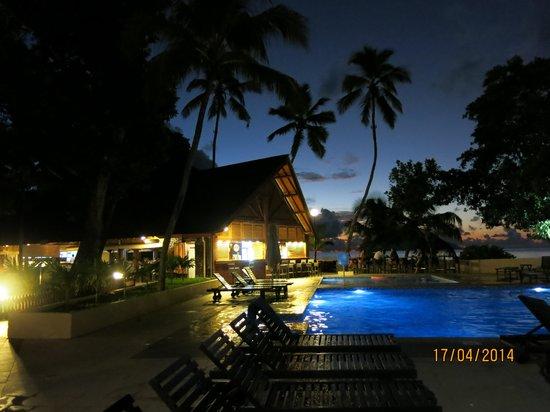 Berjaya Beau Vallon Bay Resort & Casino - Seychelles : Anlage am Abend