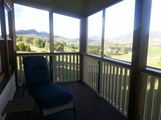 R on the Downs Rural Retreat: The beautiful view from the Settlers Cottage verandah