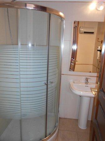Hotel Don Paula: ванная комната