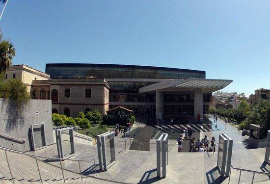 Acropolis Museum: View of museum entrance
