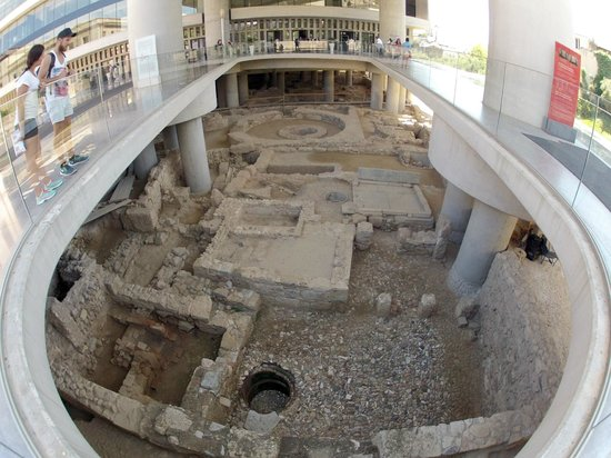 Acropolis Museum: archeology site at the entrance