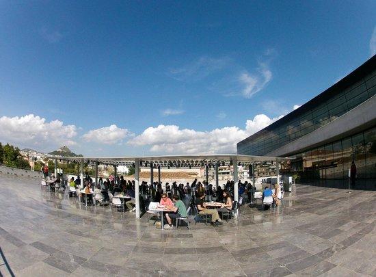Acropolis Museum: The museum restaurant terrace