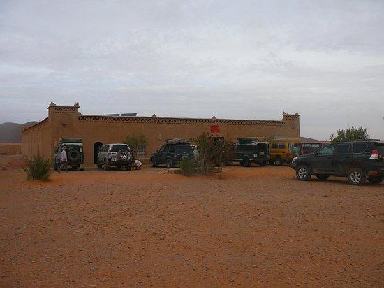 Auberge Hotel Porte De Sahara Ouzina: Porte de Sahara, entrance.