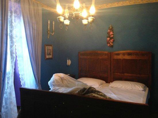 B&B Antiche Melodie: liebevoll und stilvoll eingerichtete Zimmer mit antiken Möbeln