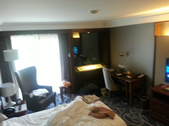 Beijing Jianguo Hotel: A picture of our room (yes, it was messy at the time!)