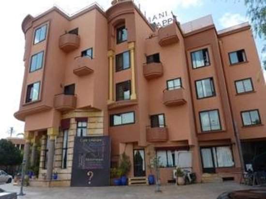 Amani Hôtel Appart: Vue de l'hôtel Amani - façade -