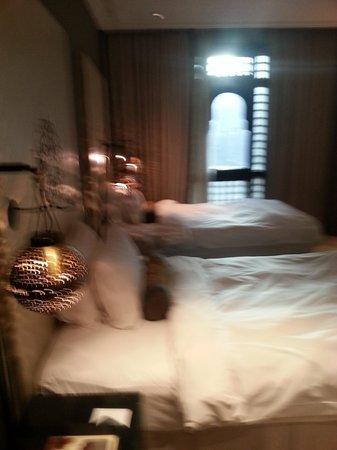 Shaza Al Madina: room