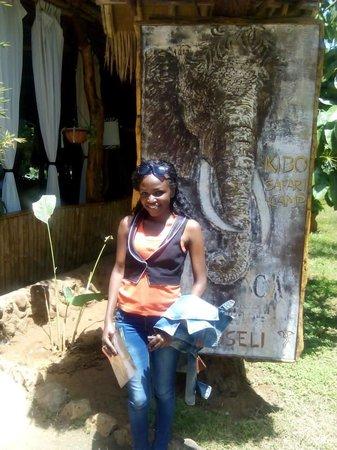 Kibo Safari Camp: At the entrance