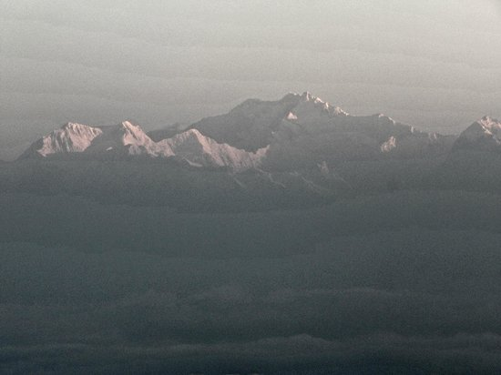 Tiger Hill: Mt Kanchenjunga and Mt Everest