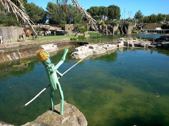 Vue sur le p cheur et un bassin picture of le jardin de - Profondeur d un bassin de jardin ...