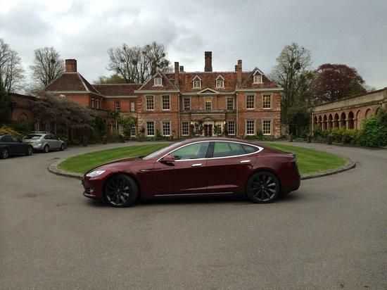 Lainston House Hotel: Tesla Model S and Lainston House