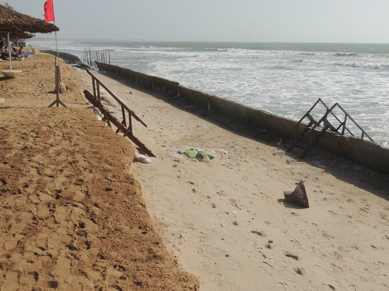 Kairaba Beach Hotel: Repairs to the beach access - sturdy and safe if not pretty