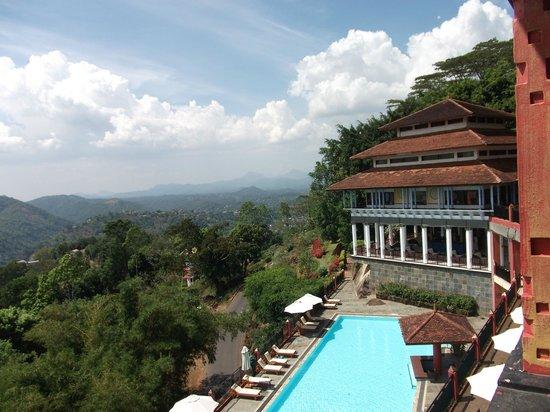 Amaya Hills: Vistas