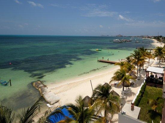 Las Perlas Condos: room view on the beach
