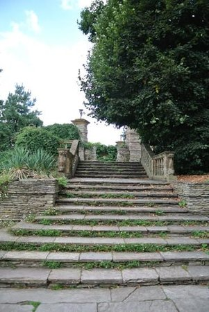 """Hestercombe Gardens: the """"aisle"""" down into the Orangery"""