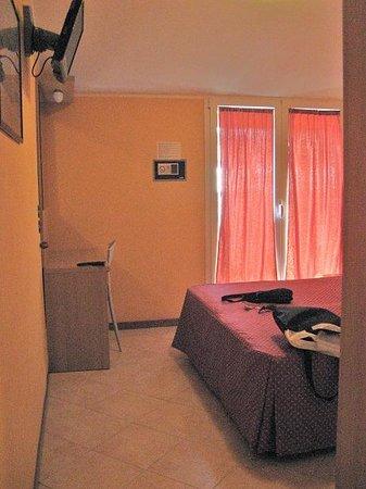 Ibis Styles Milano Centro: room