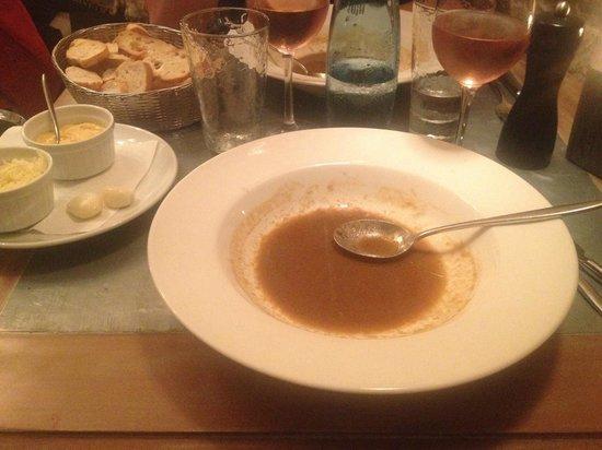 Le Jardin : zuppa di pesce e crostini