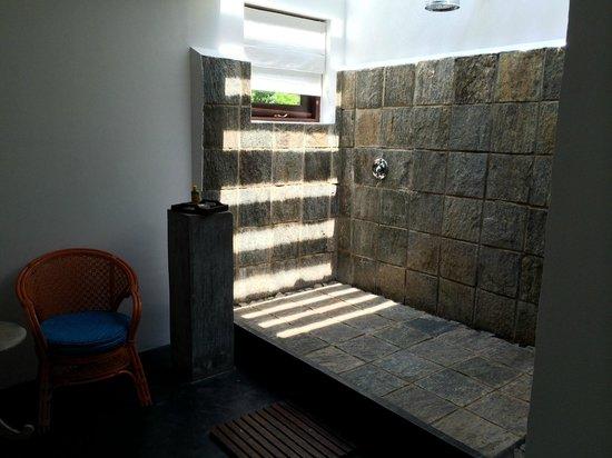 Buckingham Place: La doccia