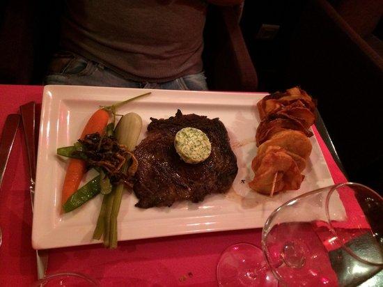 Restaurant Les Viviers Saint Martin : Viandes et beurre persillée et chips de pomme de terre