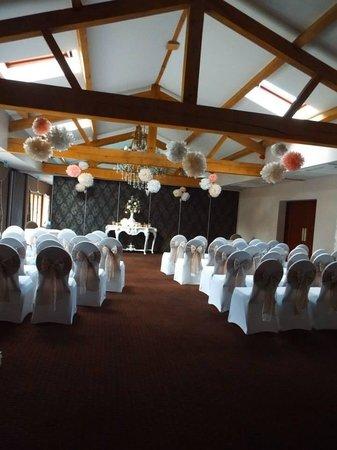 Ashbourne Hotel: Room dressed for a wedding