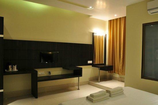 Hotel Kalash: Room