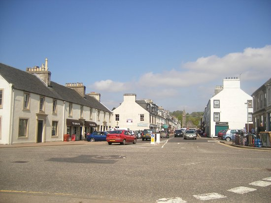 Lochgilphead, UK: The Square Peg - Colchester Square and Argyll Street