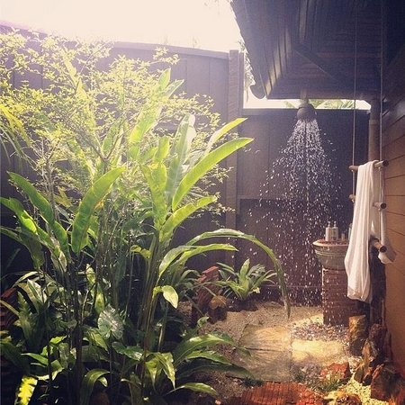Shantaa Koh Kood : Gorgeous shower area/ rainforest garden