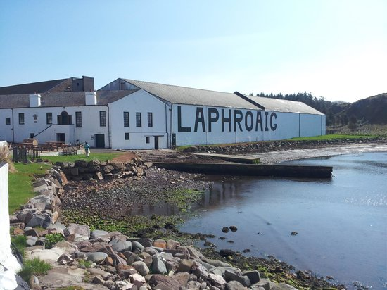 Laphroaig Distillery : the famous distillery with the great whisky