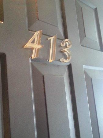 RF Hotel: Room 413