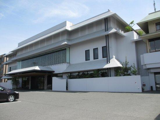 Agora Fukuoka Hilltop Hotel & Spa: ホテル全景