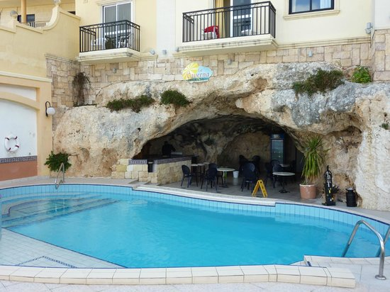 Pergola Hotel & Spa : View of the Cave bar.