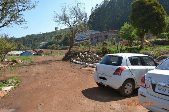 Silent Valley Resort: Parking