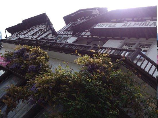 Alpina Hotel: Interlaken - Hotel Alpina - Strassenfassade