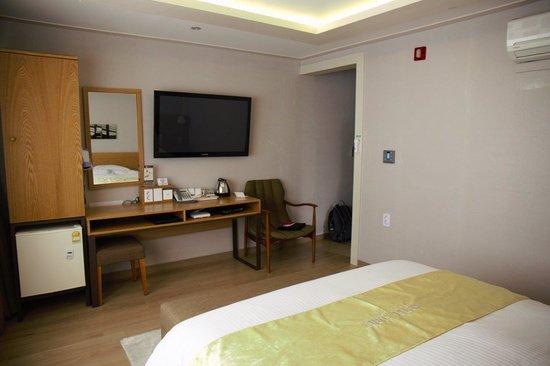 Hotel Foret: Bedroom