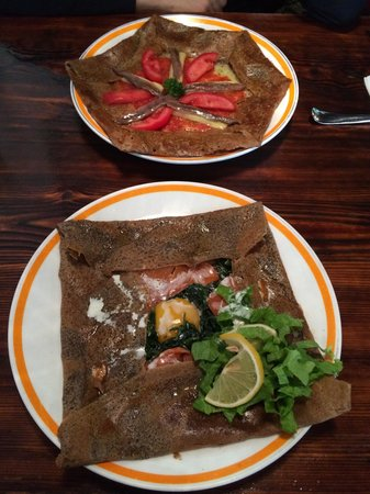 La Creperie(Nanjing West Road) : Anchovies and smoked salmon crepes